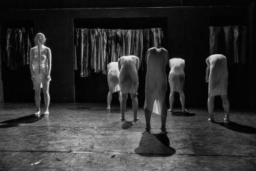 ダンスが見たい!19 白鳥の湖 三東瑠璃振付「みづうみ」報告